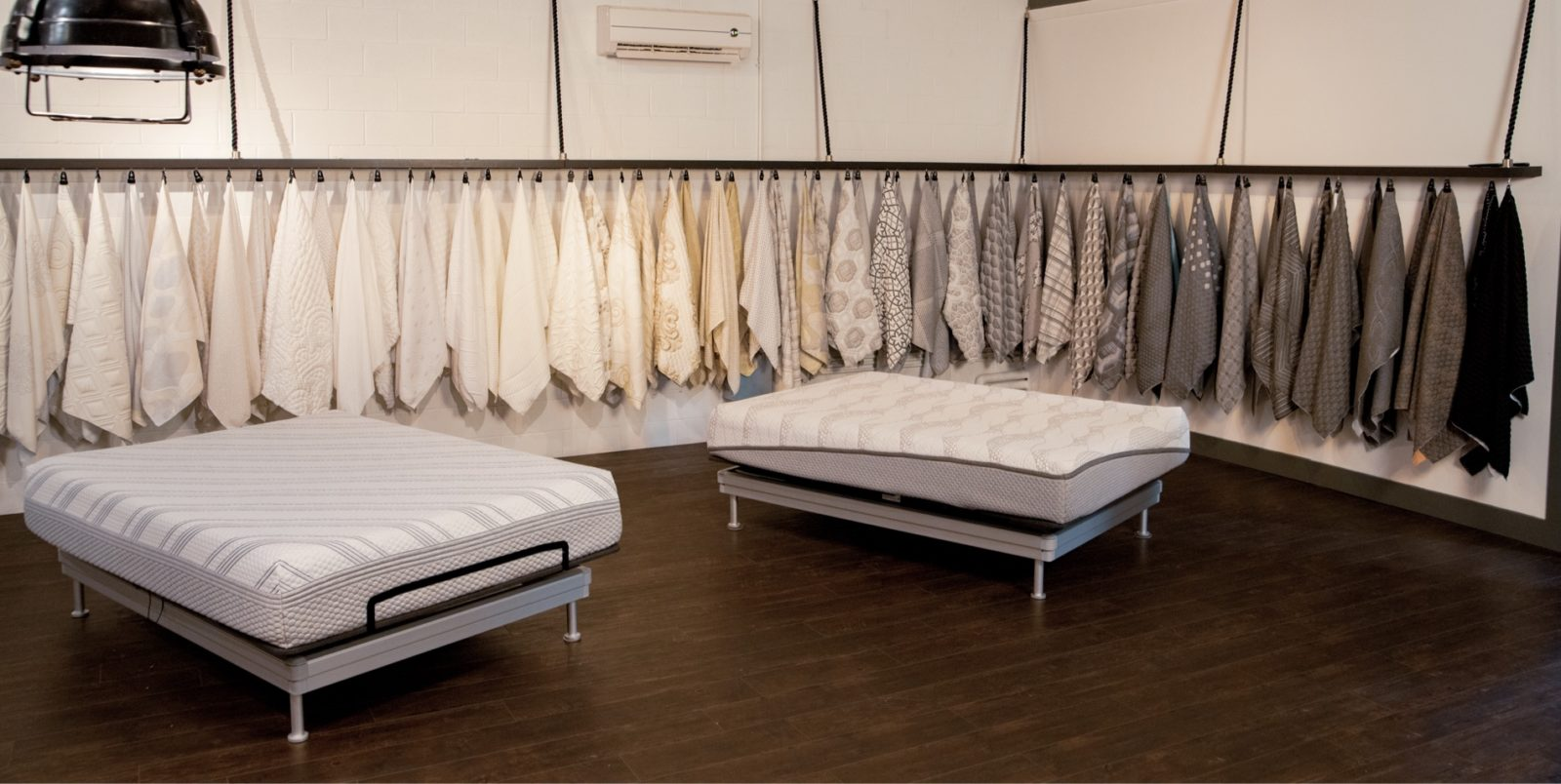 Innofa fabric showroom with two mattress covers in the middle